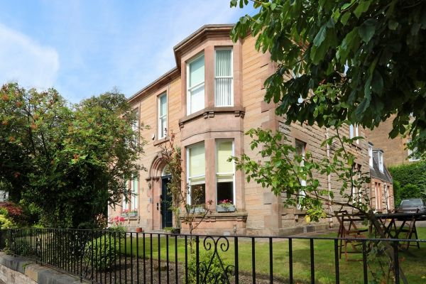 Edinburgh bed and breakfast with Parking